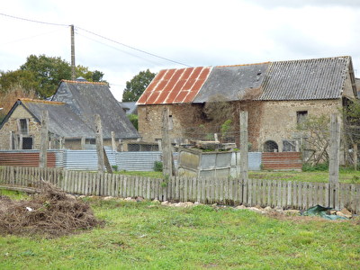 TEXT_PHOTO 0 - Ensemble immobilier en pierres Proche Sens de Bretagne 140 m2